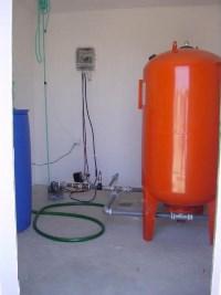 Interior de estação elevatória de águas