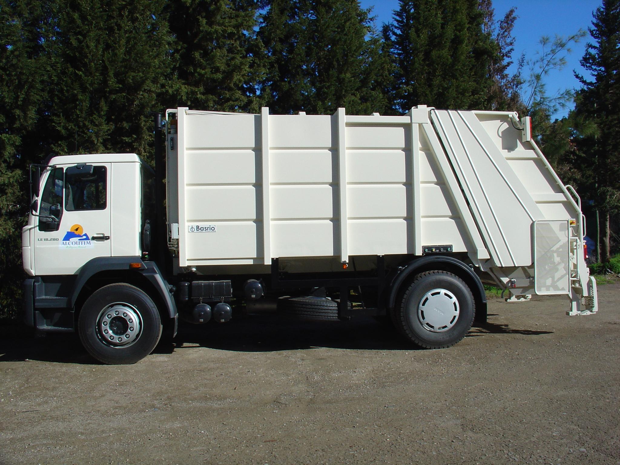 Veículo de recolha de RSU